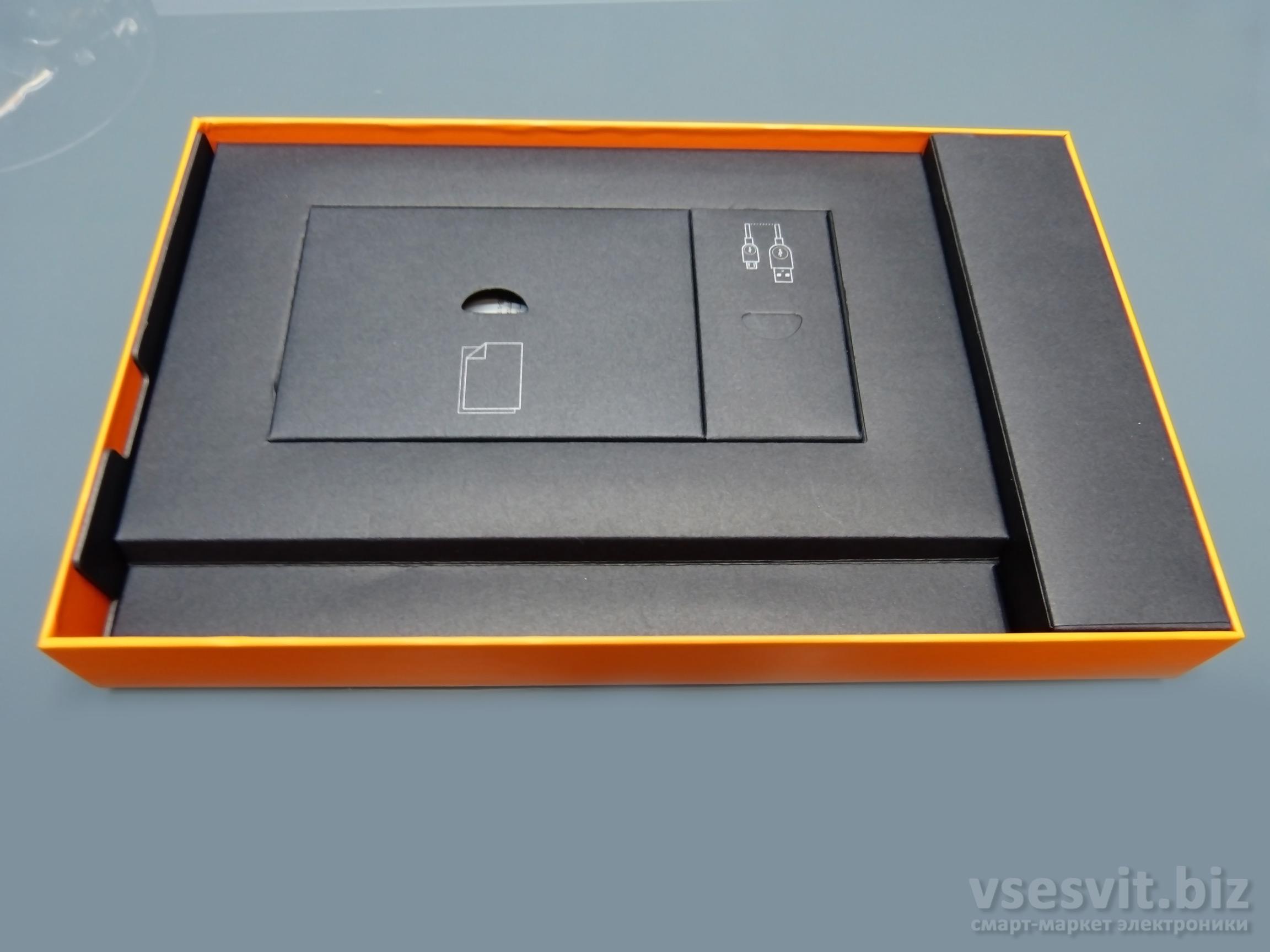 Упаковка Lenovo Yoga Tablet 3 10