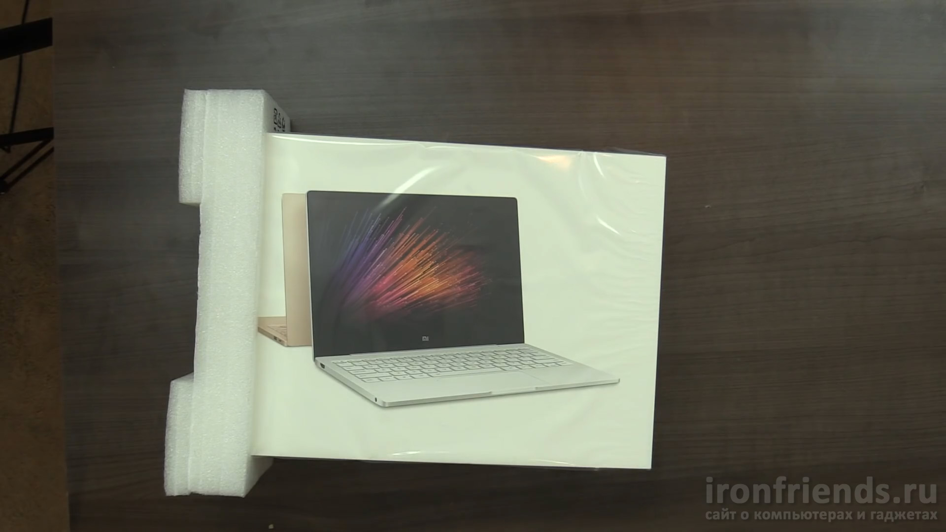 Упаковка Xiaomi Mi Notebook Air 12.5