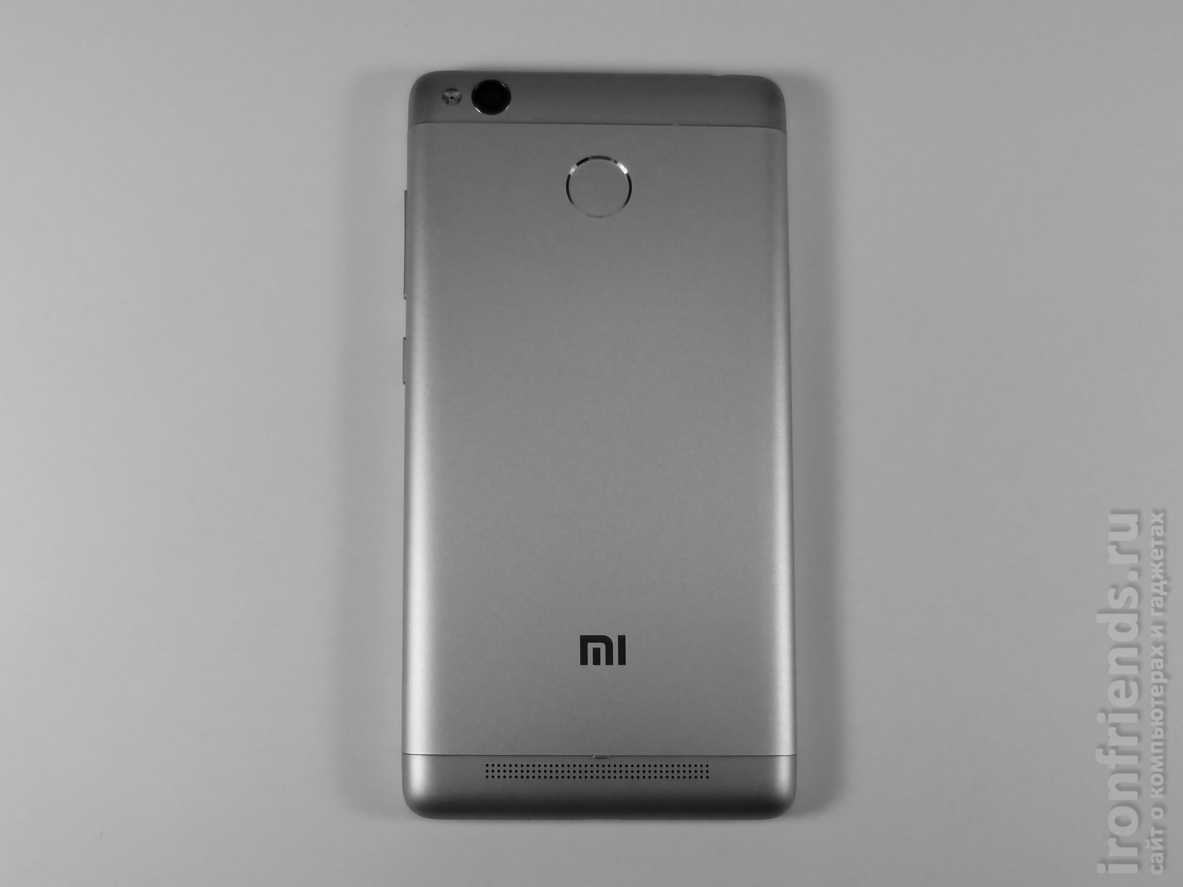 Смартфон Xiaomi Redmi 3s