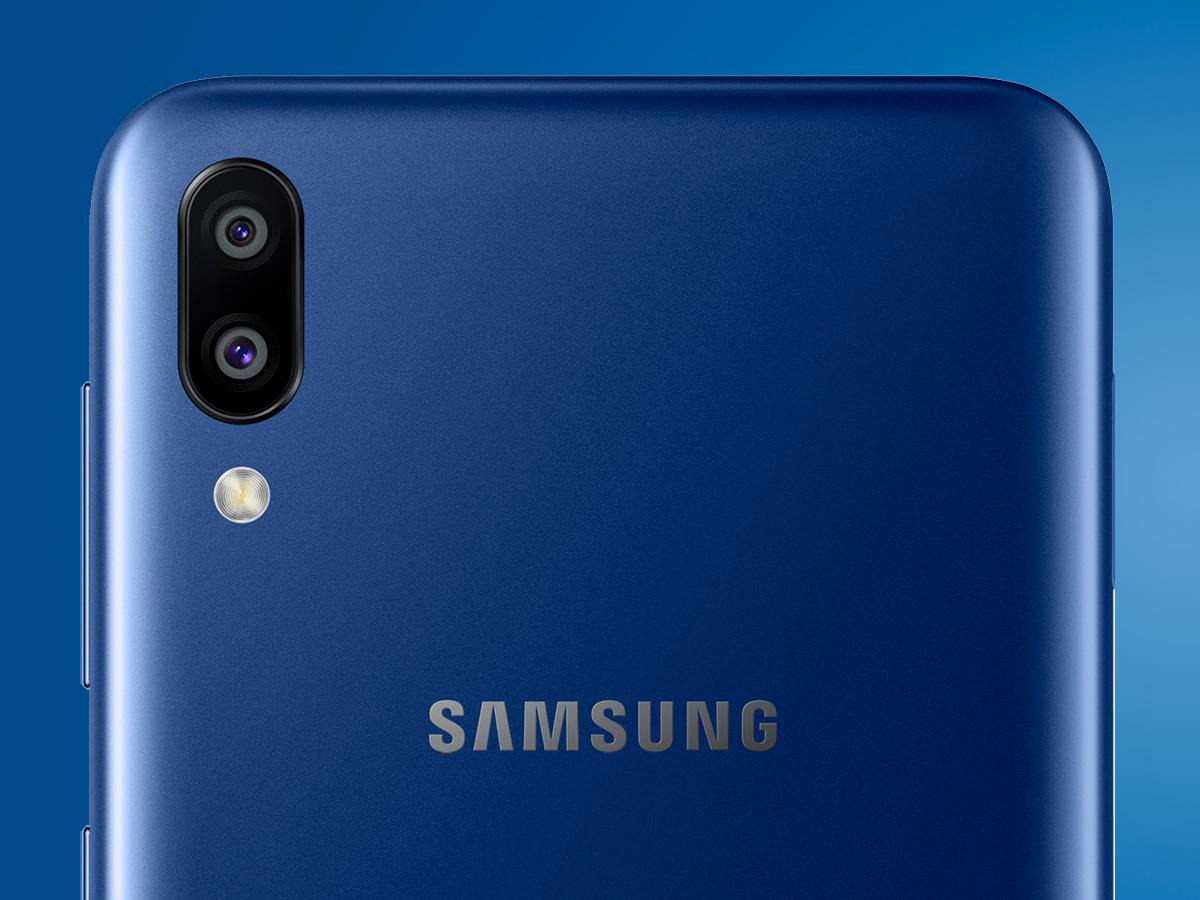 Смартфон Samsung Galaxy M10