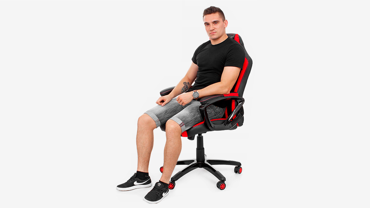 Маленькое игровое кресло