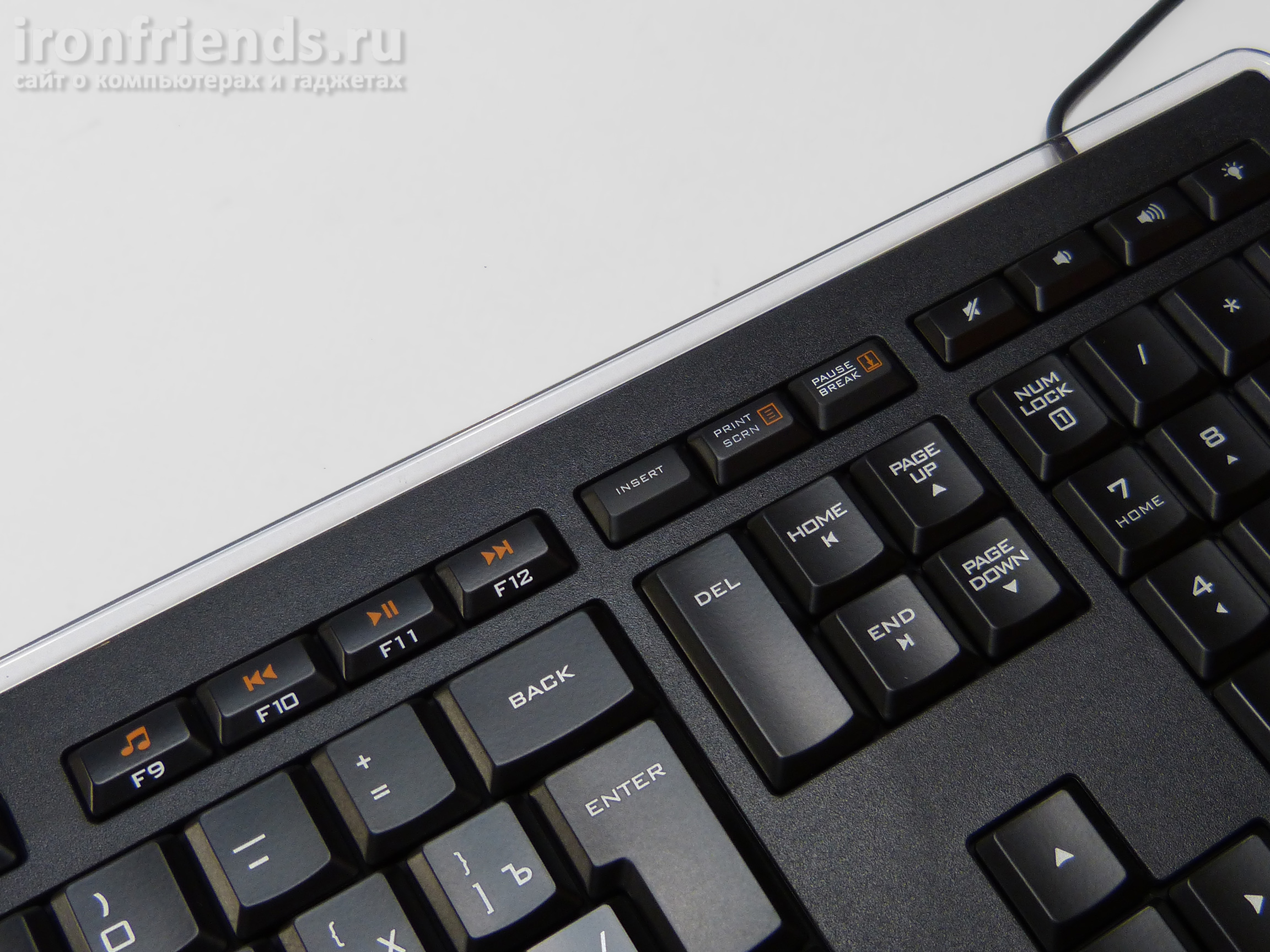 Клавиатура Logitech K740 illuminated
